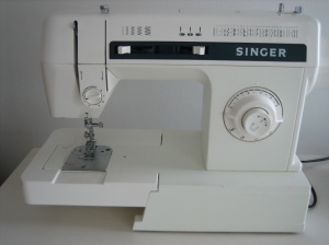 Singer Sewing Machine 2530C, second-hand 3 years old